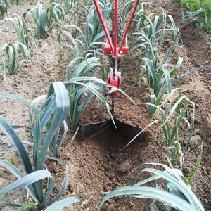prei aanaarden met het nieuwe tuigje, in vochtige grond