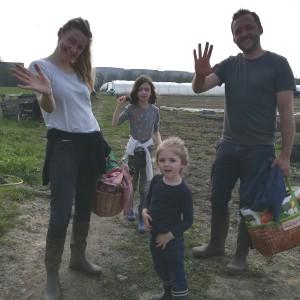 niet de meest geslaagde foto, wel een geslaagde familie! Nieuw en al 300 venkeltjes geplant. Cum Laude!